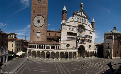 piazza-del-duomo-cremona-a3b4ef33-307a-4edd-8366-f093dc3d3f8e
